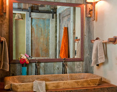 Headwaters Camp Cabin, Big Sky, Montana eclectic bathroom
