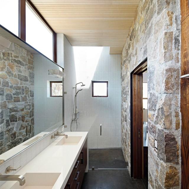 Healdsburg ranch for Modern ranch bathroom