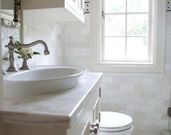 Heather Garrett traditional-bathroom