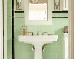 Helena 1 traditional-bathroom