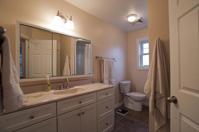 Heming Renovation traditional-bathroom