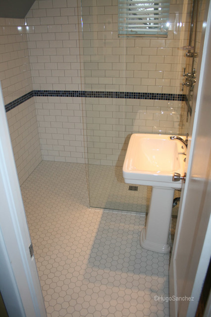 Hexagonal shower floor tiles Traditional Bathroom Montreal – Classic Bathroom Floor Tile
