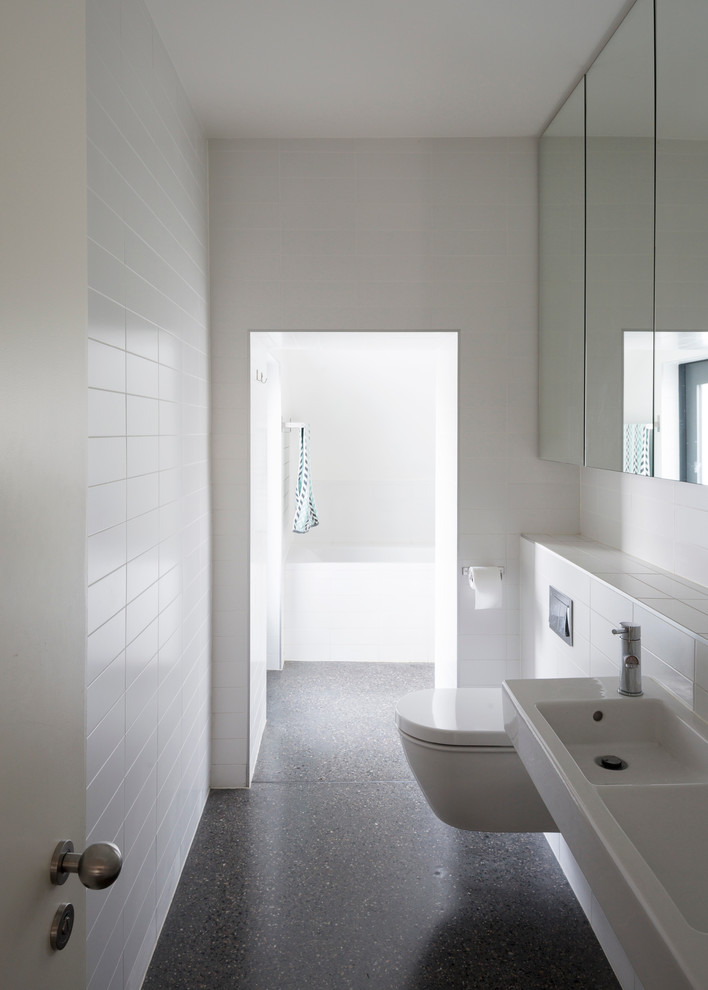 Inspiration for a contemporary bathroom remodel in Dublin
