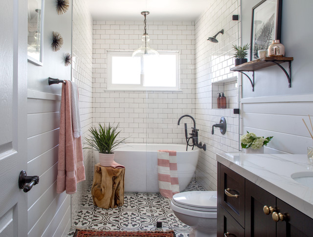 Best 25 Vintage Bathroom Decor Ideas On Pinterest: HGTV Bathrooms