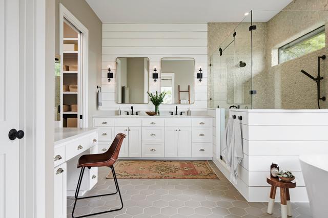 Your Guide To A Farmhouse Style Bathroom, Barn Style Bathrooms