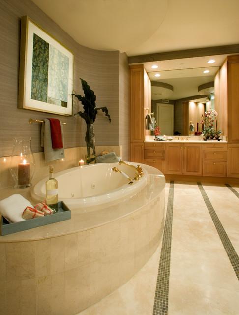 High Rise - Regent traditional-bathroom
