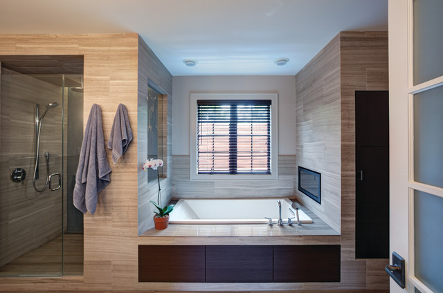 Highland Park Custom Home Remodel Contemporary Bathroom Chicago By Airoom Architects