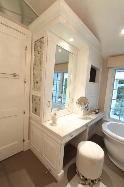 Highland Park Residence traditional-bathroom
