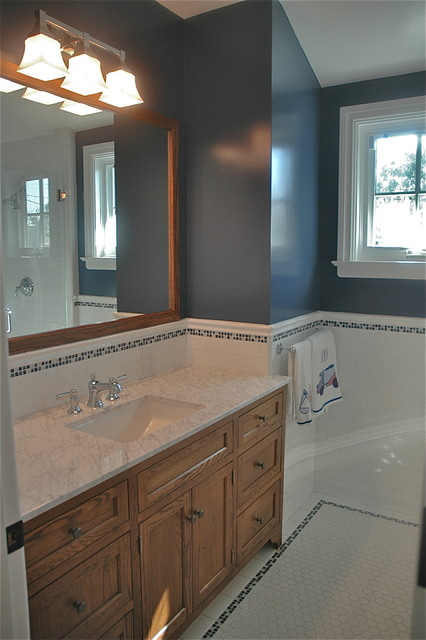 Highland Residence traditional-bathroom
