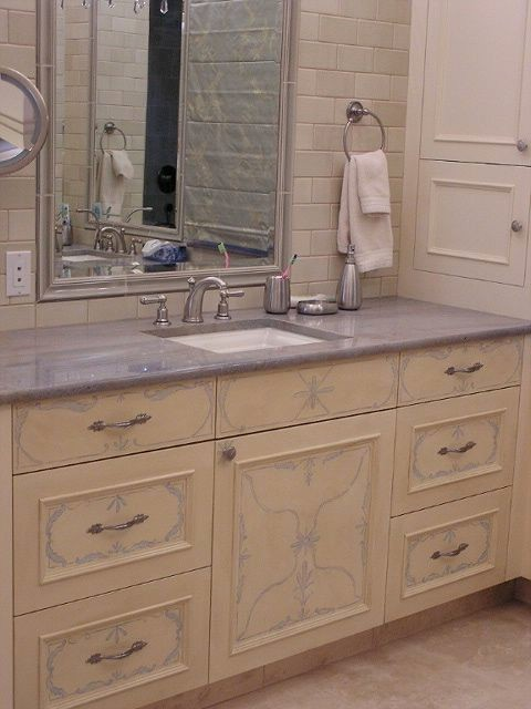 Highlands Home traditional-bathroom