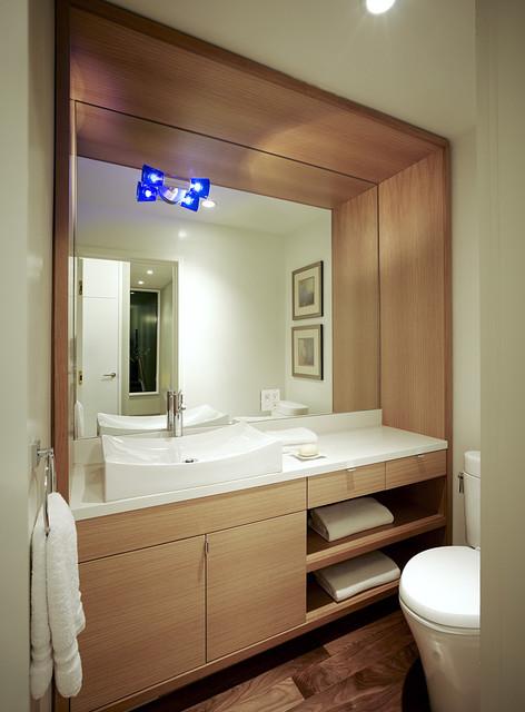 Hill Street Residence modern-bathroom