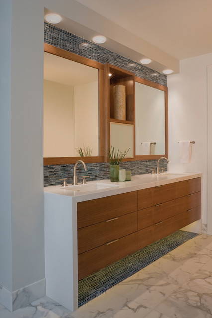 Hillside Bathroom modern bathroom