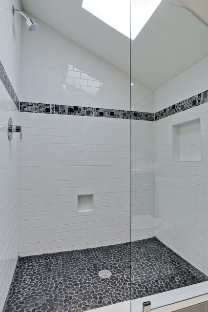 Hillview traditional-bathroom