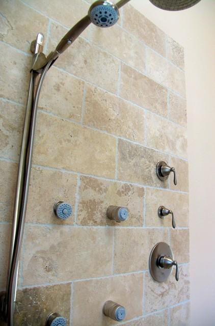 Hilton Head House mediterranean-bathroom