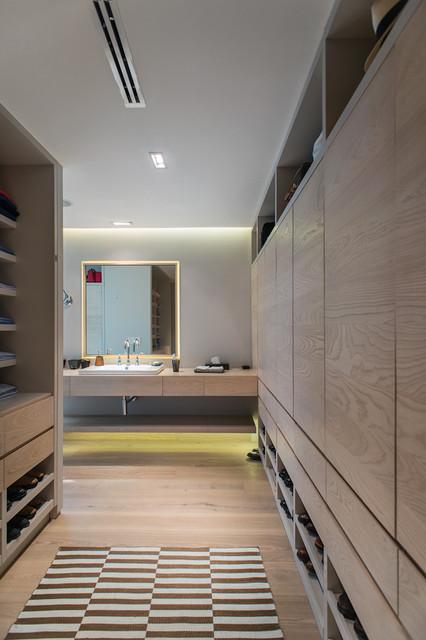 Hipico contemporary-bathroom