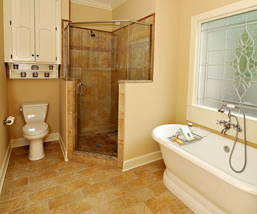 His and Hers Getaway traditional bathroom