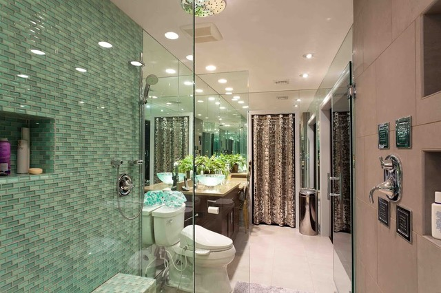 His hers master bath for Master bathroom his and hers