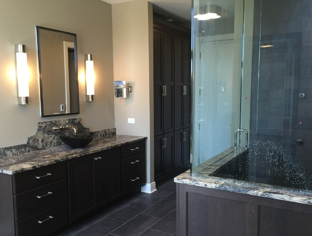 His and hers master baths for Master bathroom his and hers