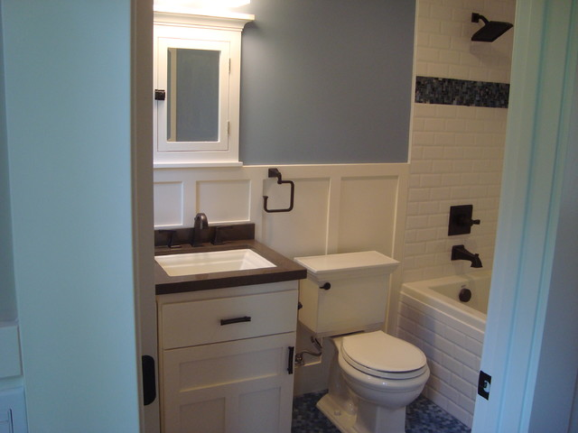 Historic craftsman craftsman bathroom for Craftsman bathroom designs