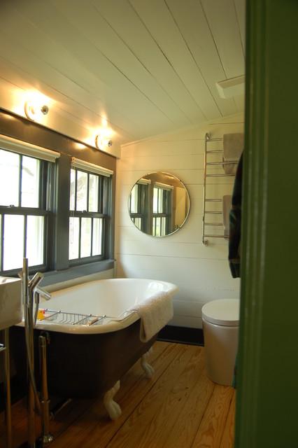 Historic House farmhouse-bathroom