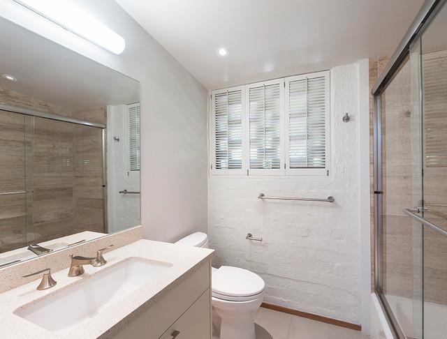 Elegant 24 In W Traditional Bathroom Vanity In Gray With Ceramic Vanity