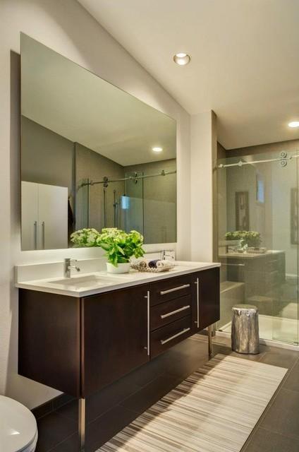 Hollcroft Residence modern-bathroom