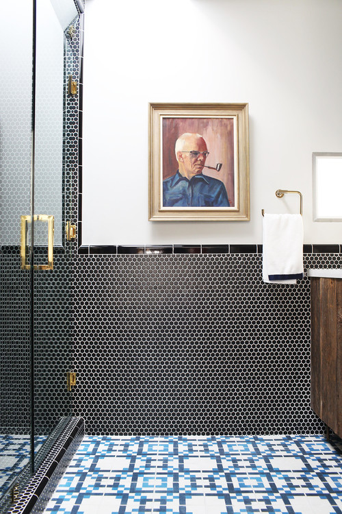 Weekend design midcentury modern bachelor pad in the for Bachelor bathroom ideas