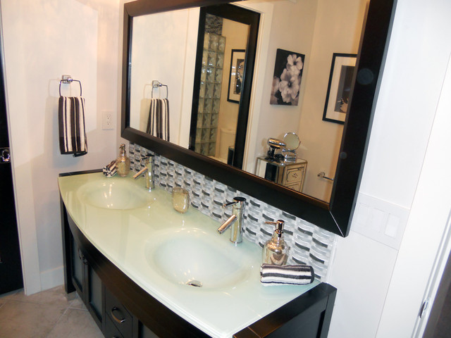 Hollywood Regency Beach House Traditional Bathroom Orlando By All About You Ann