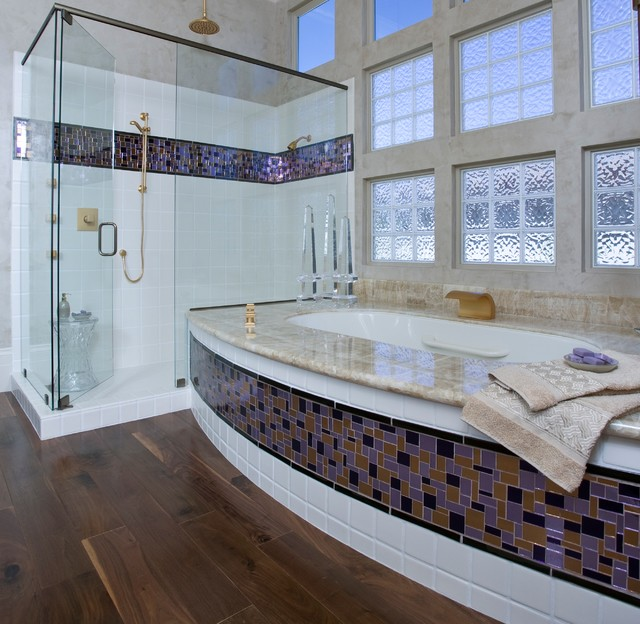 Glamorous Master Bathroom in Hollywood Regency style  - Robert Naik photography contemporary bathroom