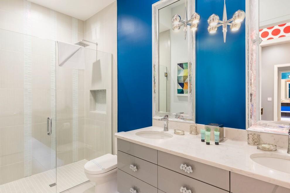 Trendy bathroom photo in Orlando