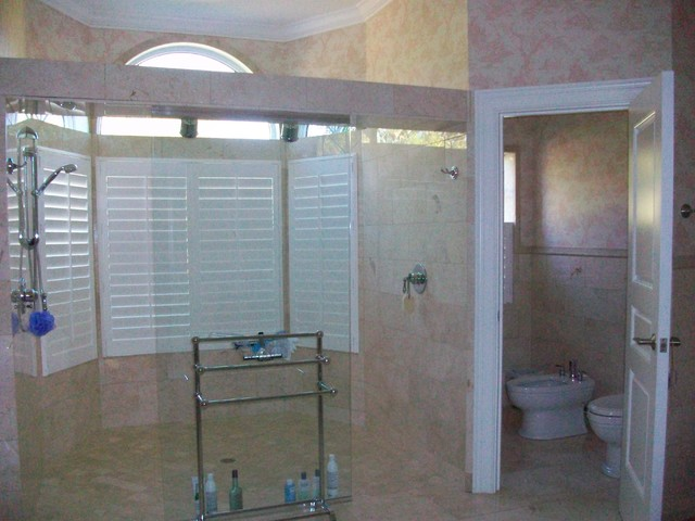 Home in Lychee Road, Sarasota traditional-bathroom