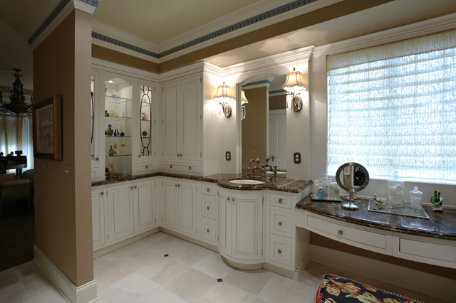Designer: Beth--Watersedge 1 traditional bathroom