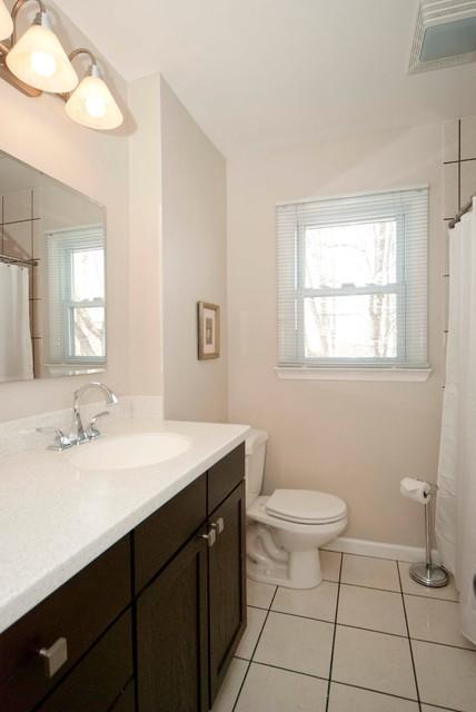 Home Staging - Glenside traditional-bathroom