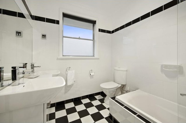 Home Staging In Bulleen Contemporary Bathroom