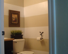 Calling all paint color experts! My bathroom needs you!