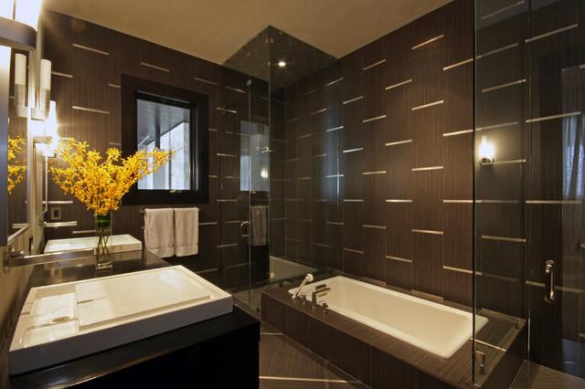 Horseshoe Bay Lakehouse Bath contemporary-bathroom