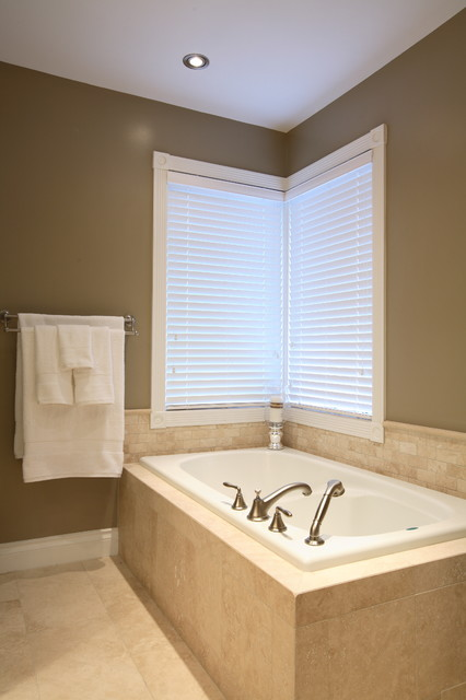 Hotelier At Home Ensuite Traditional Bathroom