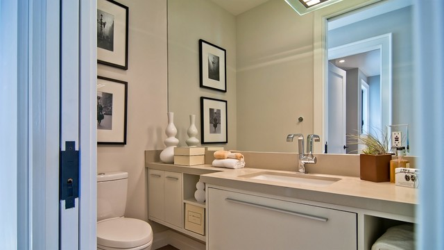 House addition and redesign contemporary-bathroom