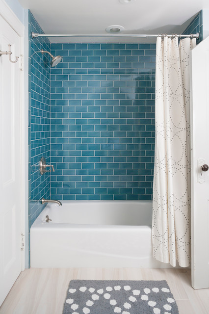 House In Rye Contemporary Bathroom