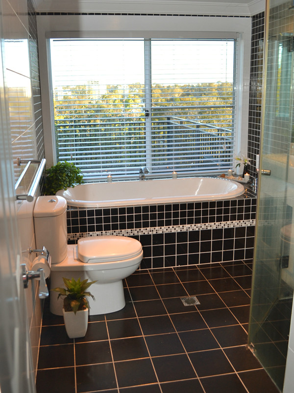 House in West End, Brisbane - Dressed for rental with ...