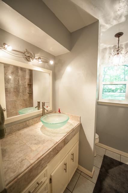Houston suburban ranch contemporary bathroom houston for Modern ranch bathroom