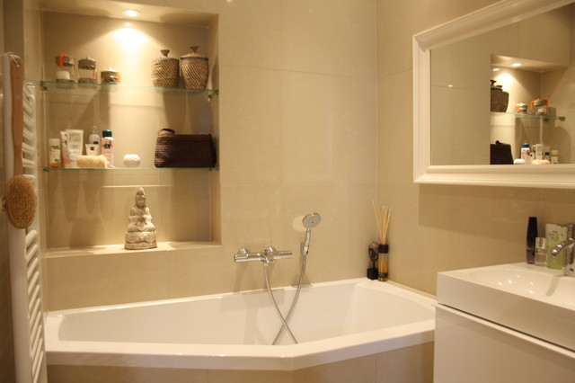 Houzz Tour: Cheerful family home shines with vintage touches traditional-bathroom
