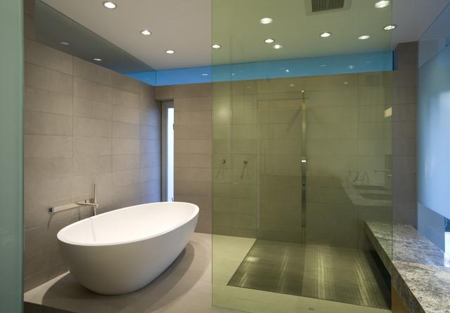 Hover House 2, Glen Irani Architects contemporary-bathroom