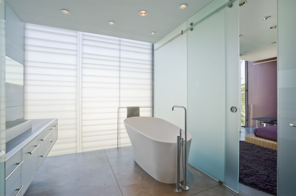 Inspiration for a contemporary bathroom remodel in Los Angeles with a vessel sink