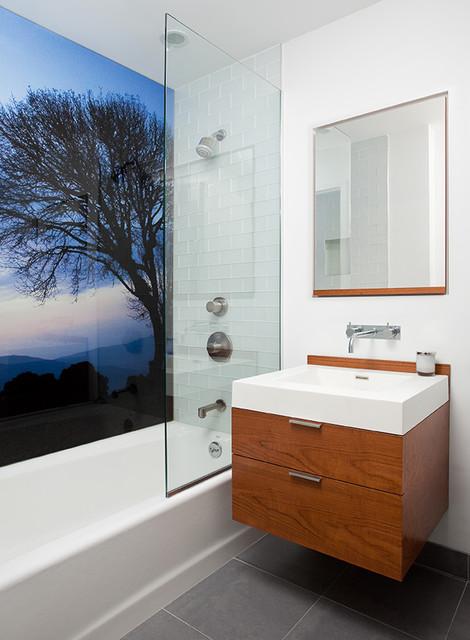 Hudson Bathroom Modern Bathroom new york by Wud