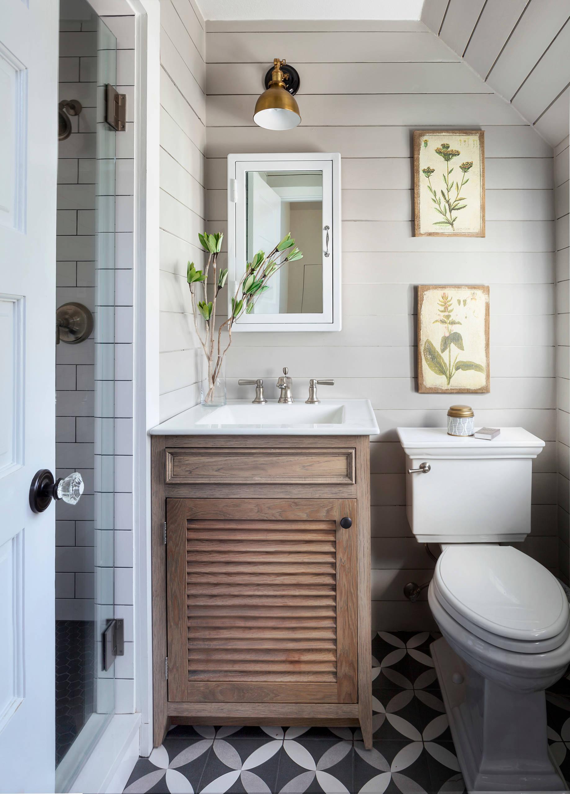 Beautiful Small Farmhouse Bathroom, Modern Farmhouse Small Bathroom Ideas Photo Gallery