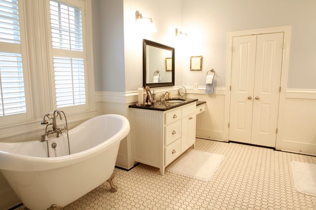 McGowan traditional-bathroom
