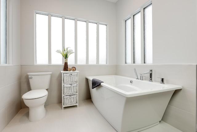 Huntington hills estates contemporary bathroom edmonton for Bathroom decor edmonton