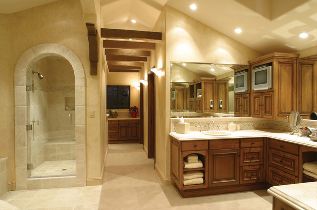 Idaho Court Residence Mediterranean Bathroom