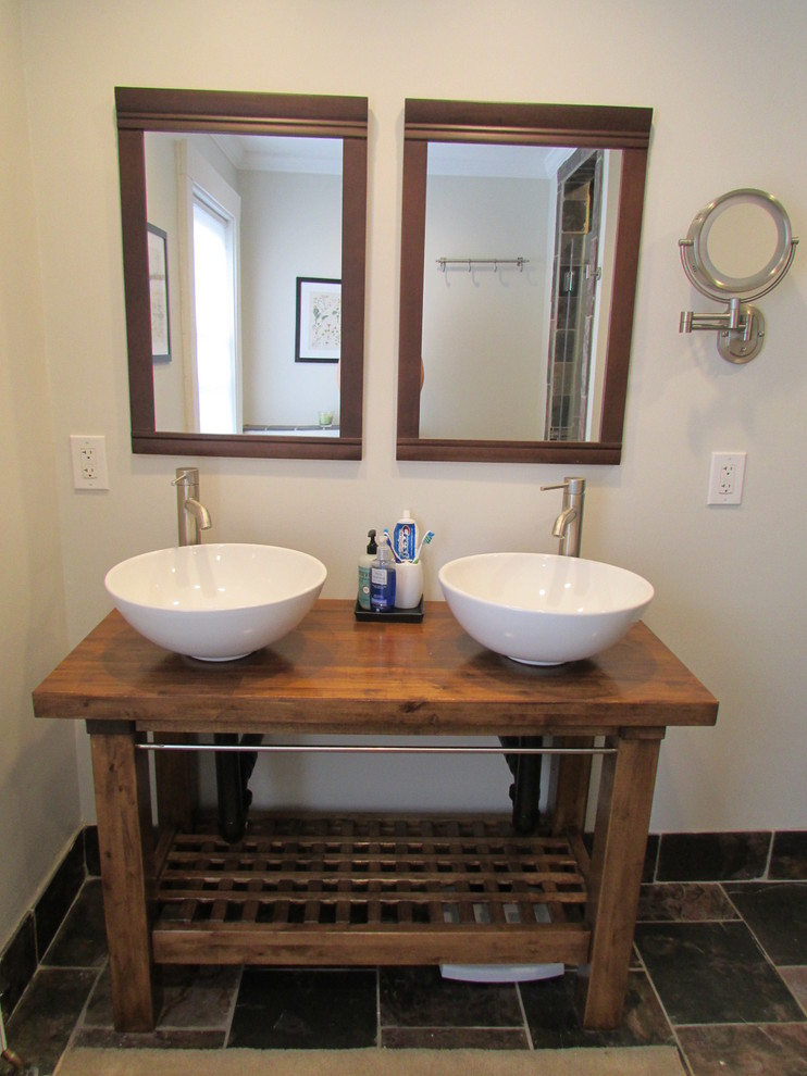 Example of a trendy bathroom design in Boston